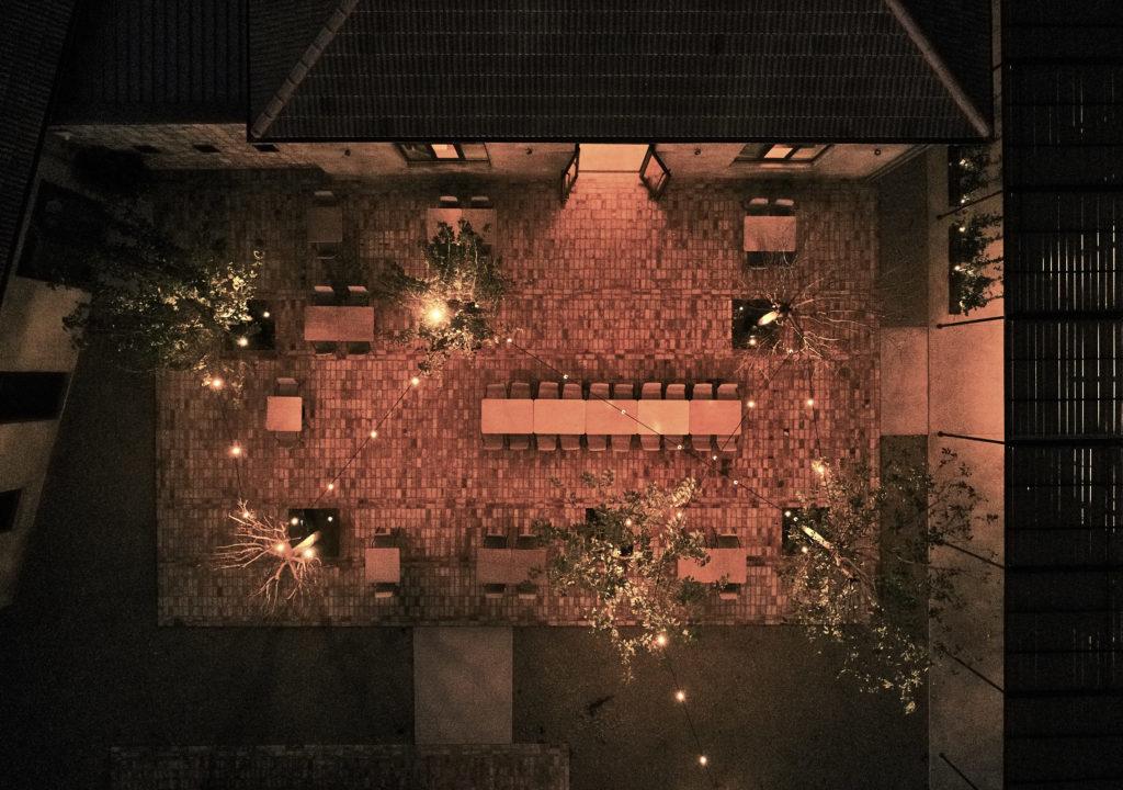 dexamenes°° Restaurant at night
