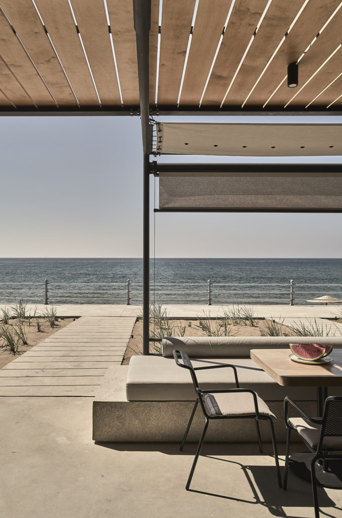 dexamenes°° Beachfront WineTank Suites